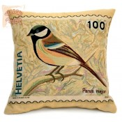 Decorative pillows with birds